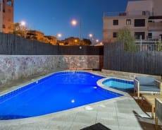בריכת שחייה פרטית למבוגרים ולילדים - דירת יוקרה גפן