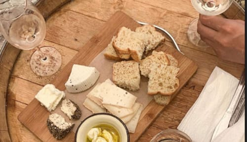 יקב פלטר - ניתן להנות מפלטת גבינות עשירה בתיאום ותשלום נוסף